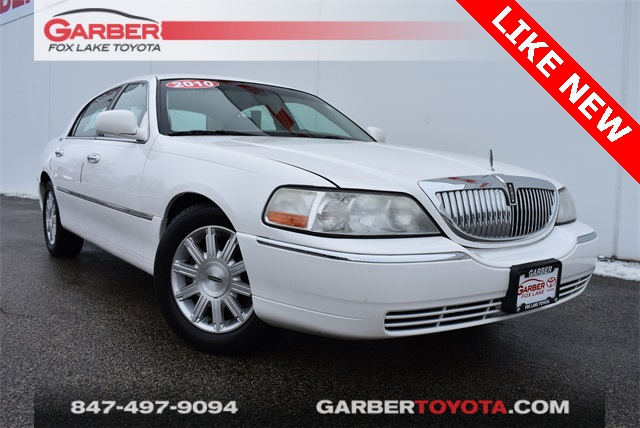Pre Owned 2010 Lincoln Town Car Signature